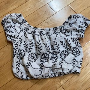 Gorgeous embroidered crop top - AE small